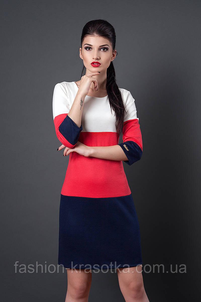 Трехцветное женское платье из трикотажа. Размеры: 46, 48.