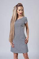 Молодежное короткое платье полу-приталенного силуэта
