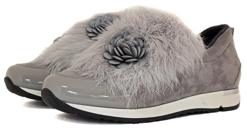 Стильные осенние ботинки серого цвета с мехом.