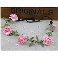 Греческая повязка с цветами розового цвета