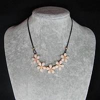 Женское ожерелье на шею Цветы