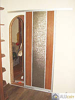 Межкомнатные раздвижные  двери купе на монорельсе (ДСП, стекло)
