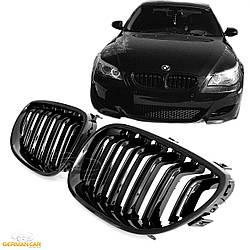 Решетка радиатора BMW E60 ноздри стиль M5 (черный глянц)