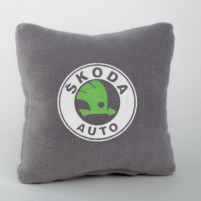 подушка с логотипом skoda