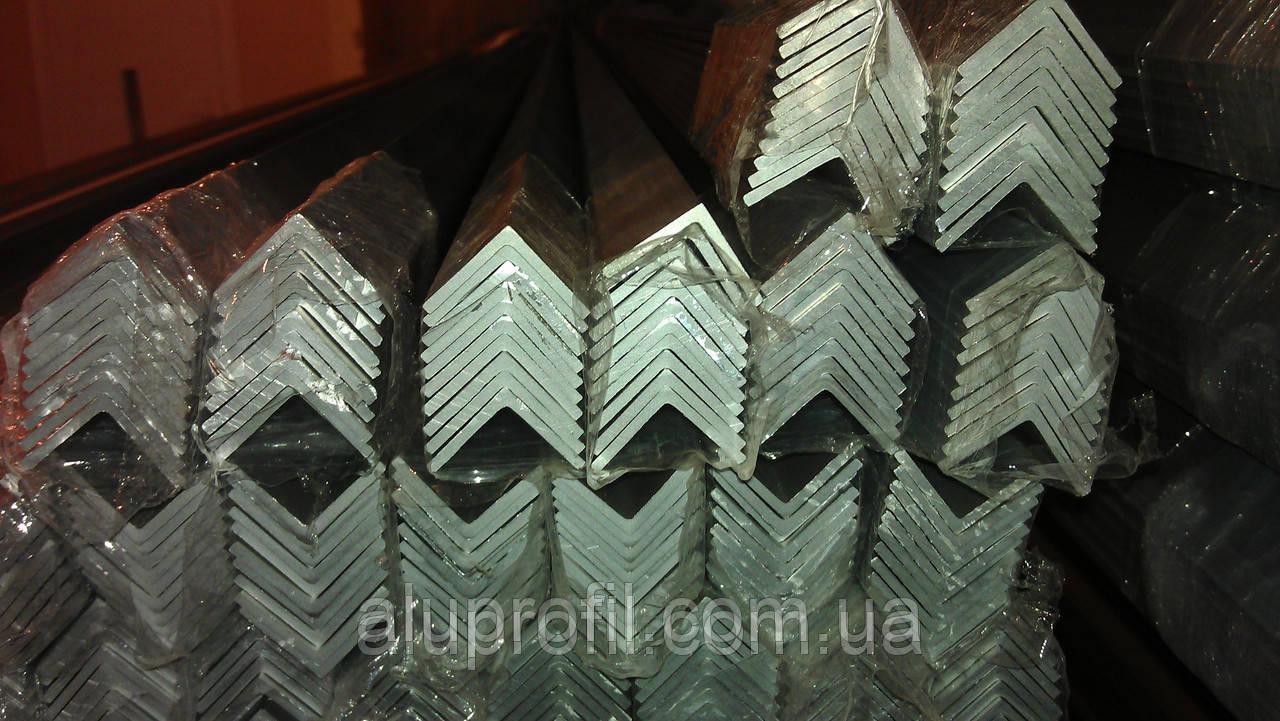 Алюминиевый профиль — уголок  размером 25х25х2 Б/П