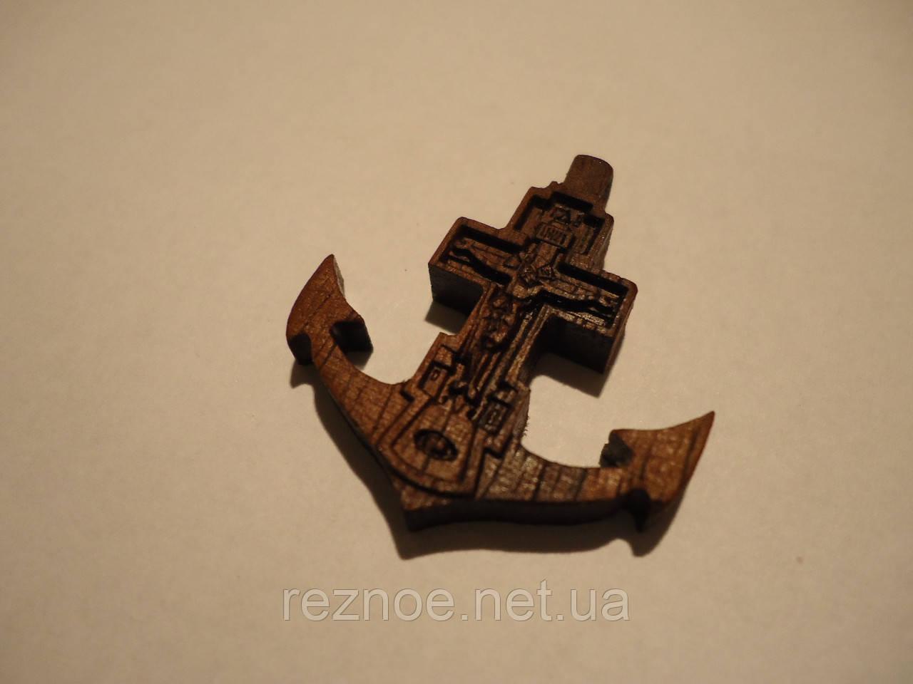 Крест нательный (якорь)