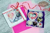 Набор сладостей: пряник имбирный Сердце Love is... и конфеты