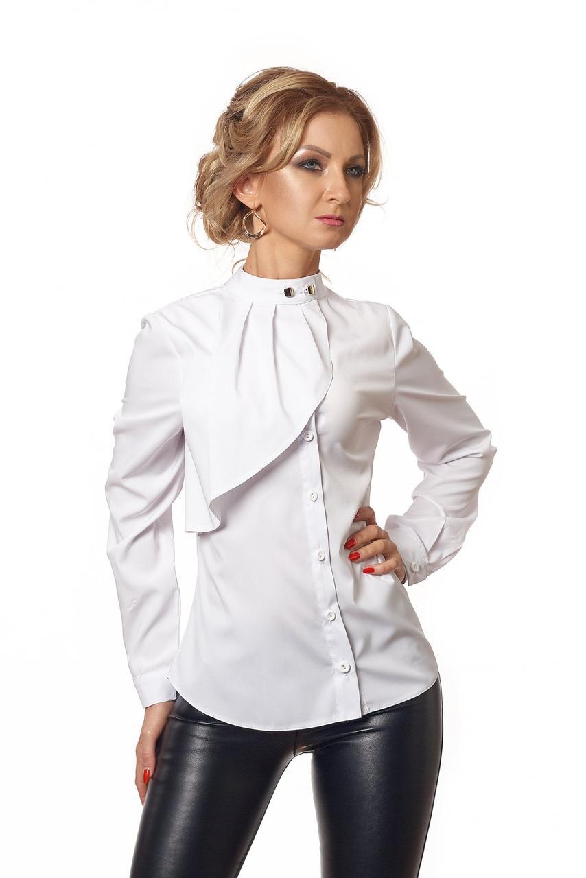 18013e60792 Белая блуза на пуговицах с жабо на груди - Интернет-магазин