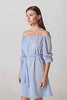 Платье с открытыми плечами голубое короткое