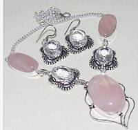 Натуральные розовые кварцы, белые топазы. Крупное колье и серьги