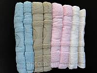 Банные махровые полотенца однотонные.