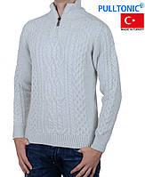 Теплый и качественный зимний мужской свитер.
