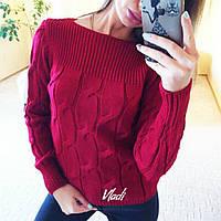 Вязанный малиновый свитер с косами