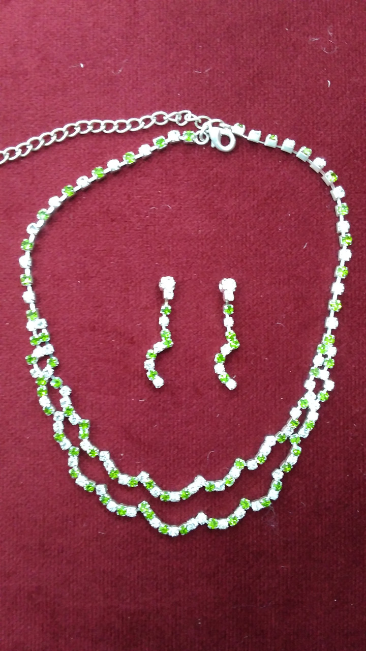 Бижутерия колье+сережки с белыми и зелеными камнями