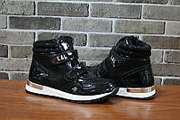 Детские ботинки черного цвета