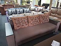 Диван прямой Атлант Люкс с деревянными накладками на быльцах