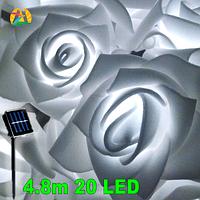 Садовая гирлянда на солнечной энергии Розы белые