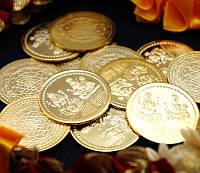 Монета алтарная из желтого метала Кубер Лакшми 3см.