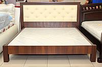 Кровать деревянная с мягким изголовьем