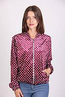 Стильная женская куртка-бомбер в горошек малинового цвета