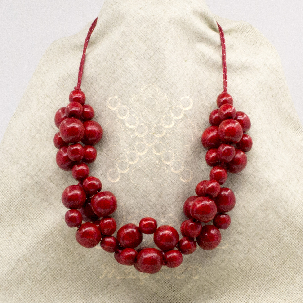 Красное ожерелье из дерева 20.01.001