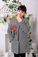 Пальто демисезонное для девочки декорированное вышитой розой