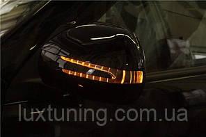 Корпуса зеркал с поворотами и подсветкой Toyota Land Cruiser Prado 120 2003-2009 / Lexus GX470 в стиле Mercedes Benz, цвет черный