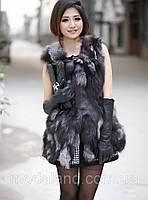 Женская меховая жилетка. Лиса