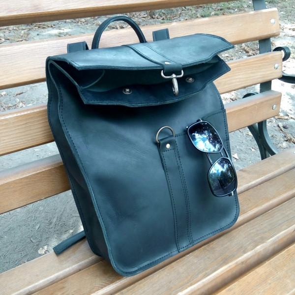"""Вместительный, авторский рюкзак на карабине из натуральной кожи """"Crazy Horse"""""""