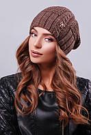 """Стильная шапка с текстурными узорами и металлической фурнитурой в виде """"бантика"""" коричневого цвета"""