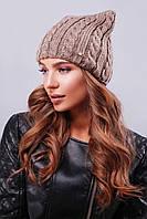 """Модная женская шапка """"кошка"""" с фурнитурой на левой стороне изделия кофейного цвета"""