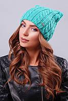 """Модная женская шапка """"кошка"""" с фурнитурой на левой стороне изделия зеленого цвета"""