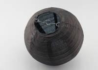 Подвесной бумажный шар плиссе 20 см черный