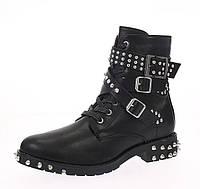 Женские ботинки черные с шипами
