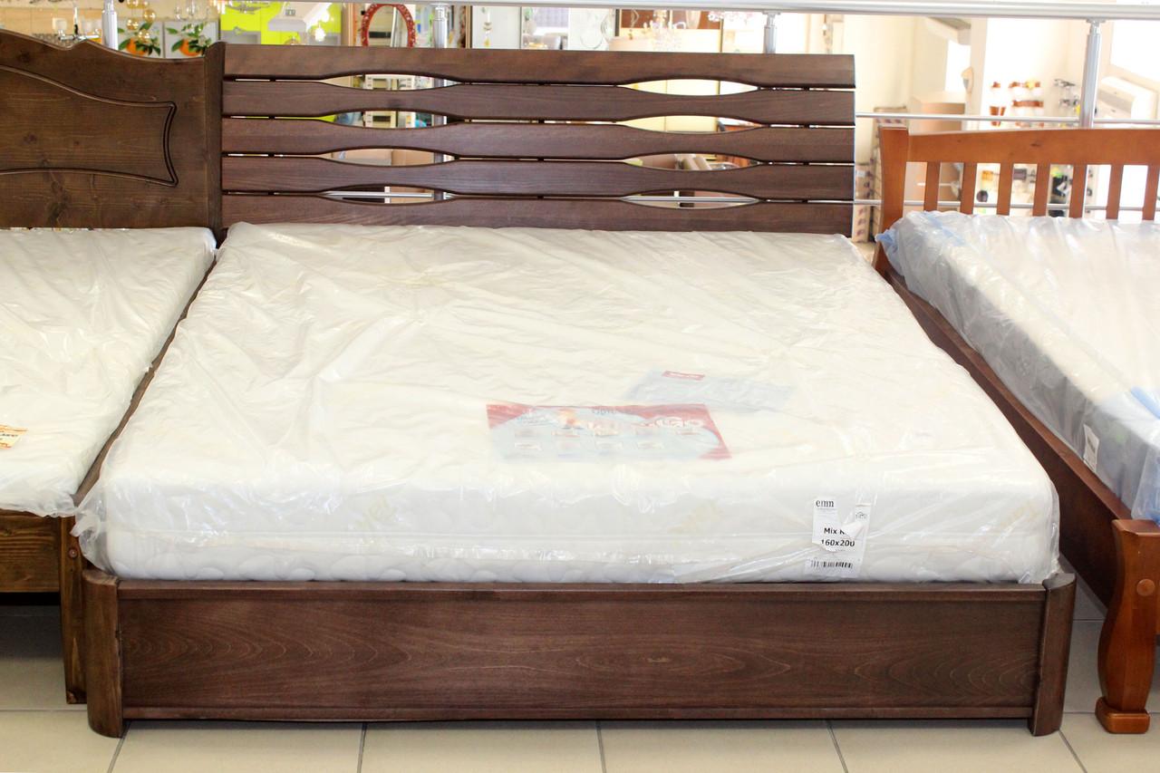 Кровать двуспальная из дерева