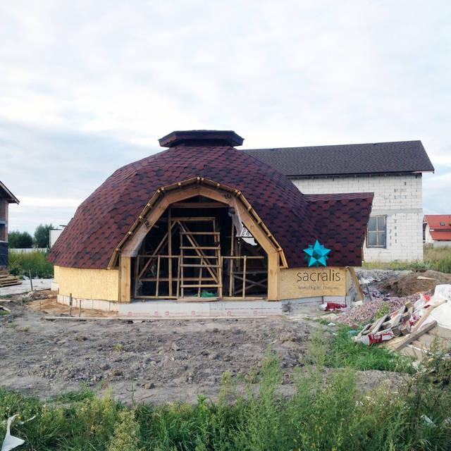 Купольный дом под битумной черепицей