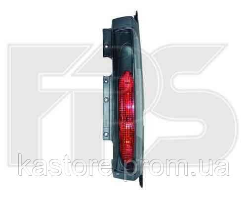 Фонарь задний для Opel Vivaro 02-07 правый (MM) 2 двери