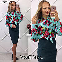 Блуза с большими цветами