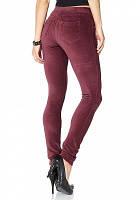 Модные вельветовые джинсы