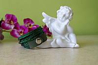 Зеленый кожаный браслет на 2 оборота со стразами Swarovski