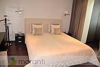 Кровать с мягким изголовьем и мебель в шпоне Венге