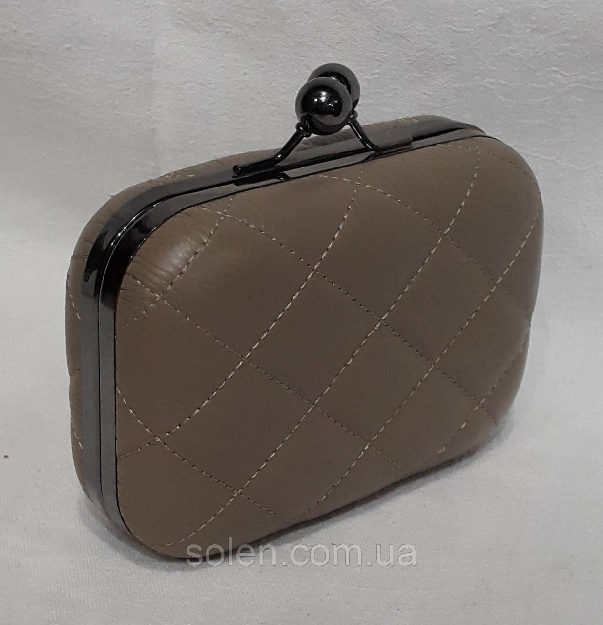 Вечерняя сумочка клатч на цепочке.