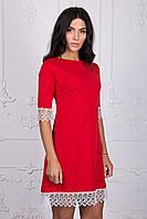 Стильное женское кружевное платье красного цвета