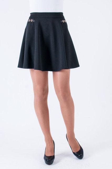 Модная юбка трапецивидного кроя с карманами чёрного  цвета