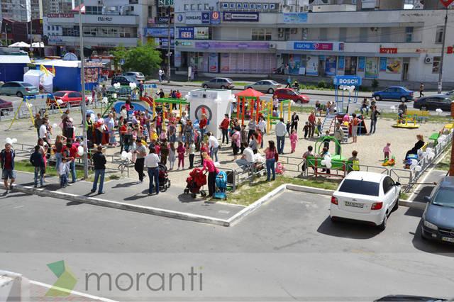Праздничное открытие детской площадки