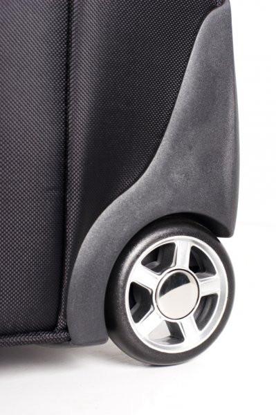 Заміна коліс на валізі