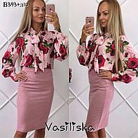 Блуза с большими розами