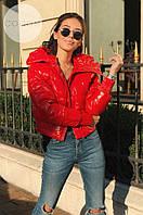 Женская стильная куртка Moncler красного цвета