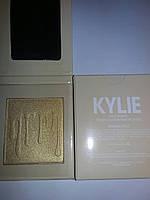 Хайлайтер для лица Kylie Jenner Banana Split