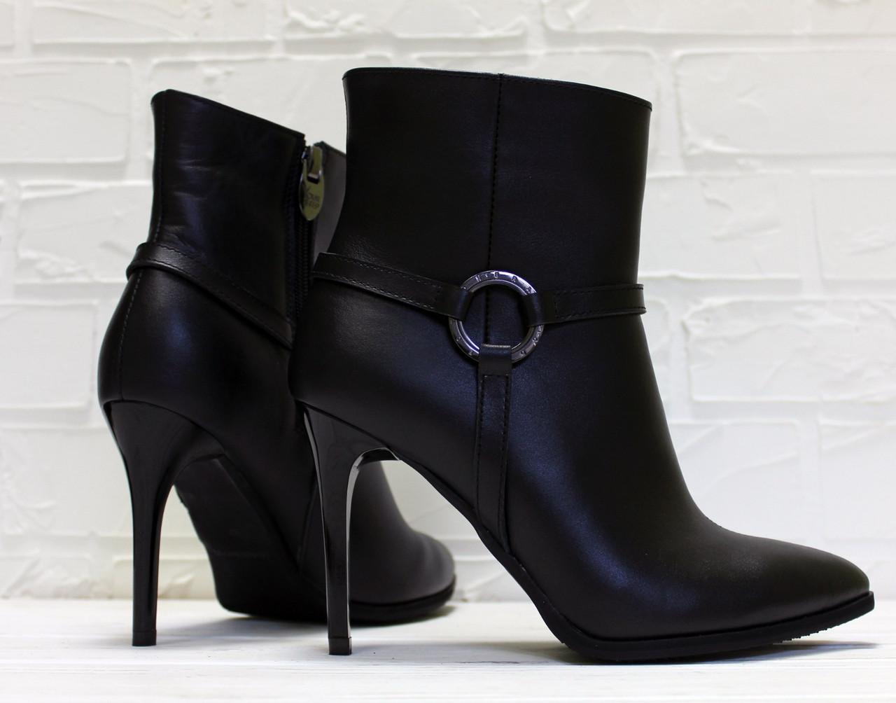 Женские ботинки на шпильке, натуральная кожа. Возможен отшив в других цветах кожи и замша